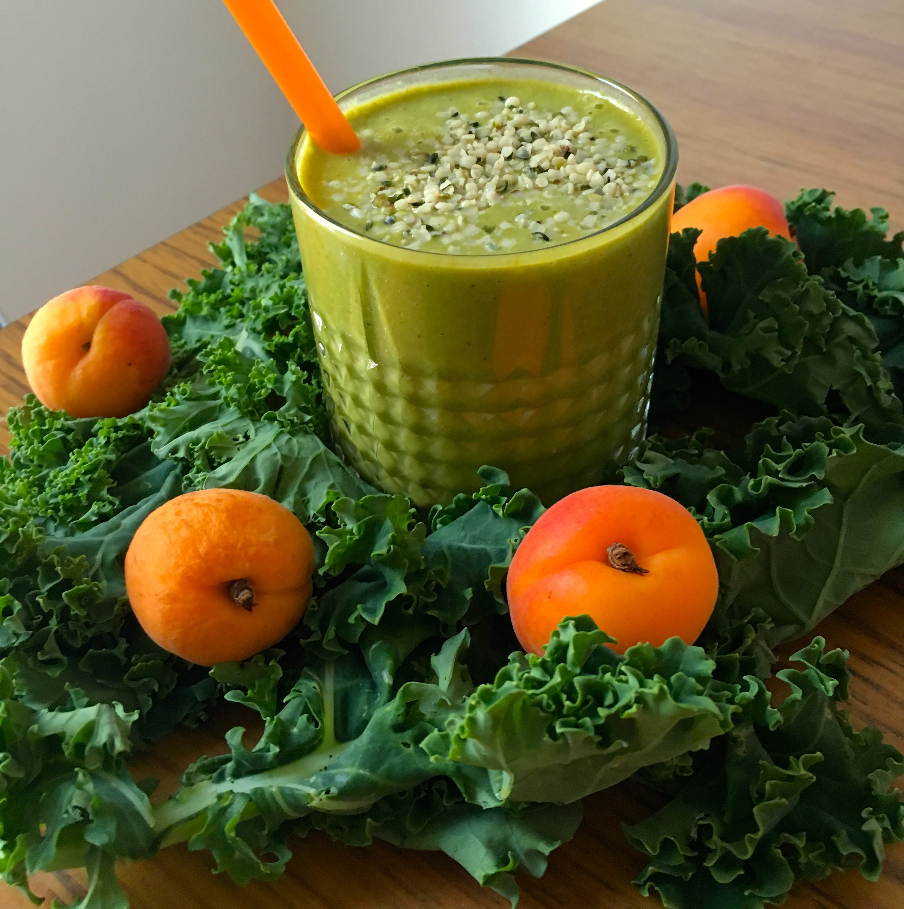smoothoe med grønnkål og aprikos