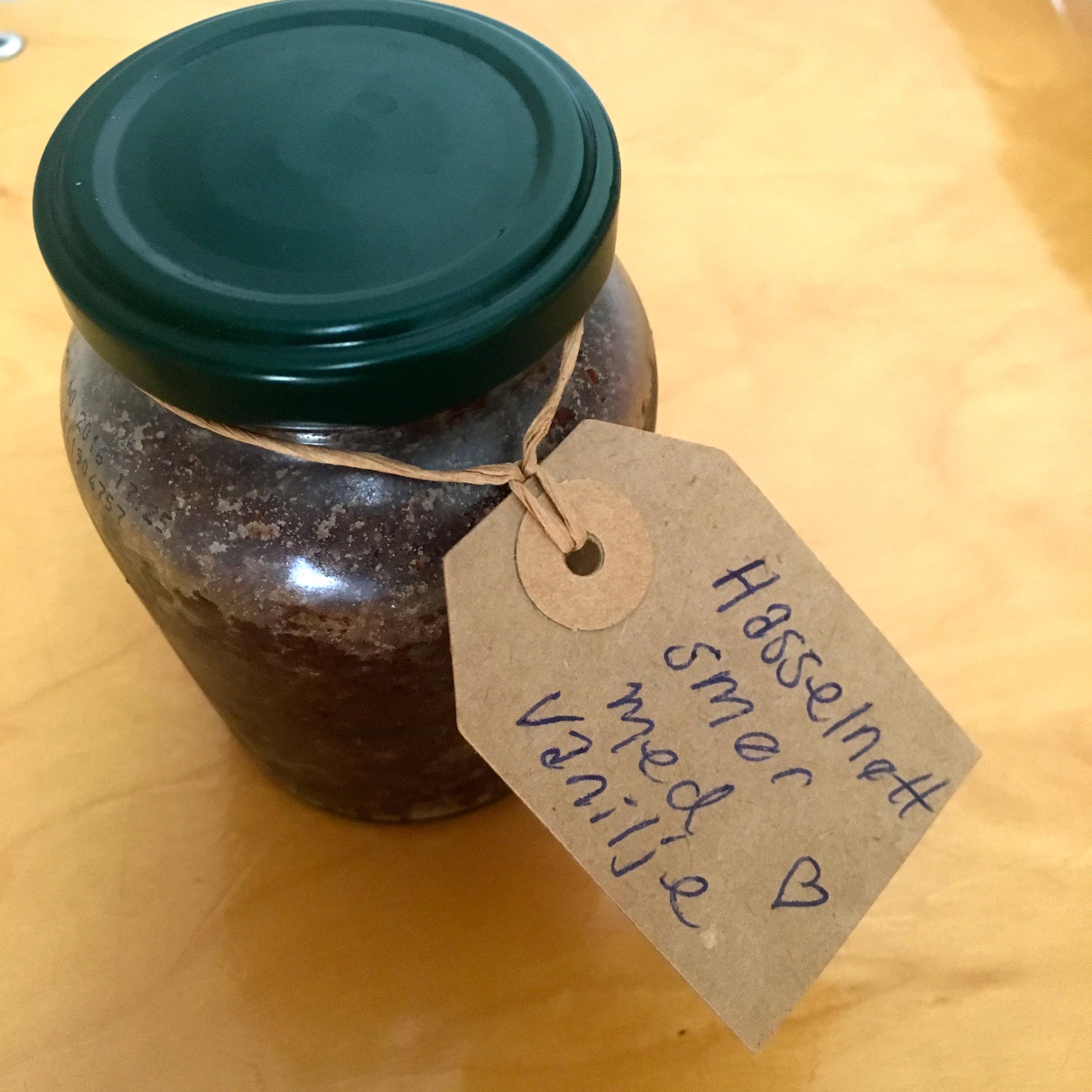 DIY hasselnøttsmør med vanilje