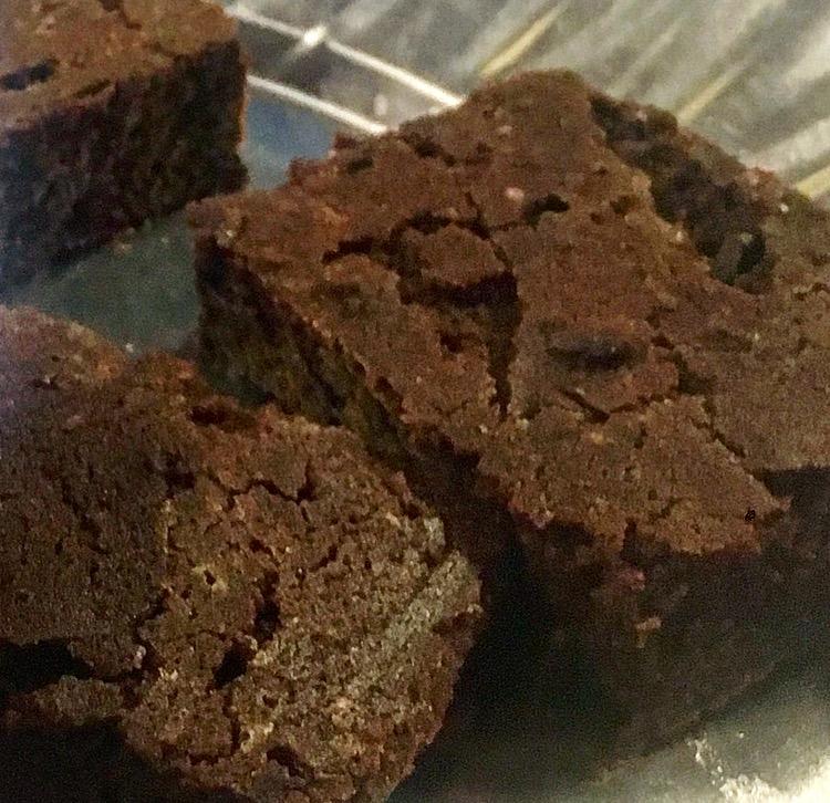 Slik lager du gluten og melkefrie brownies