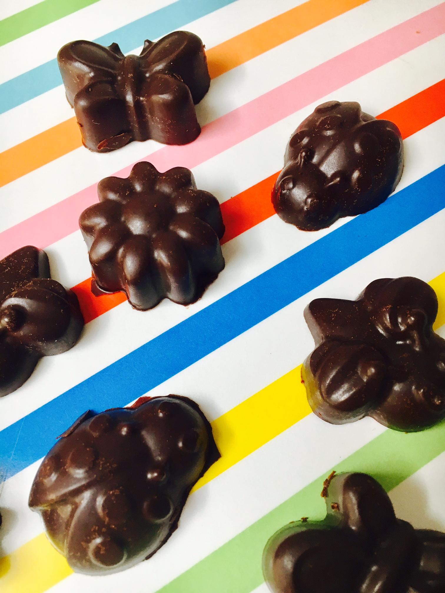 Slik lager du rå keto-sjokolade uten kunstig søtning